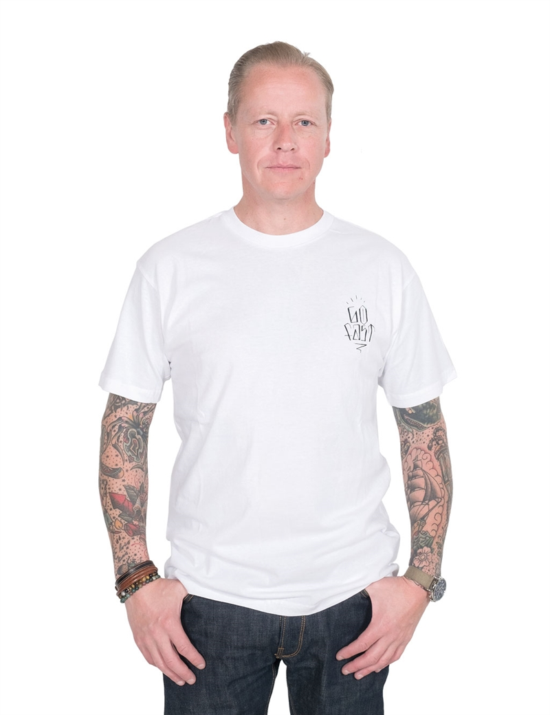 Brixton-X-Hard-Luck---Knoxx--Standard-Pocket-Tee-white-12