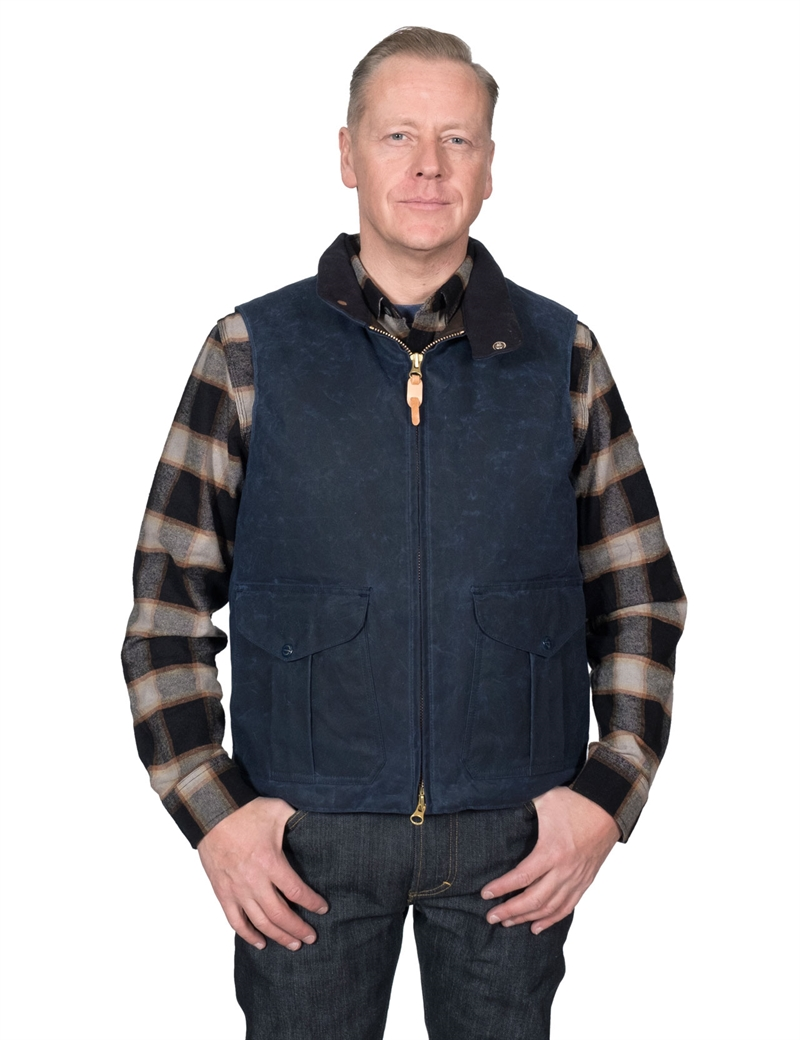 Manifattura-Ceccarelli---Goose-Down-Vest-Waxed-Canvas---Navy-1