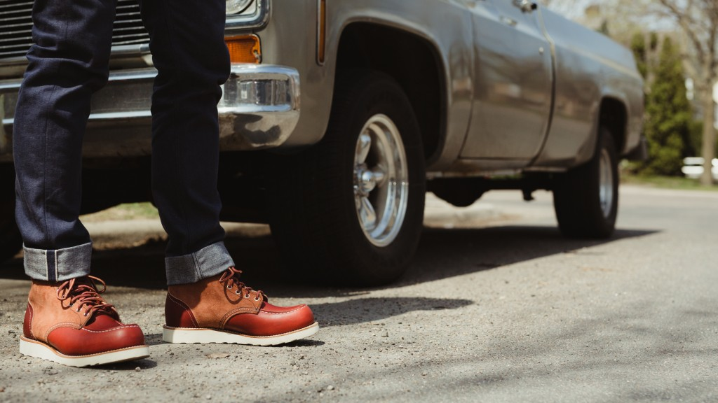 Red Wing Shoes Moc Toe 8819